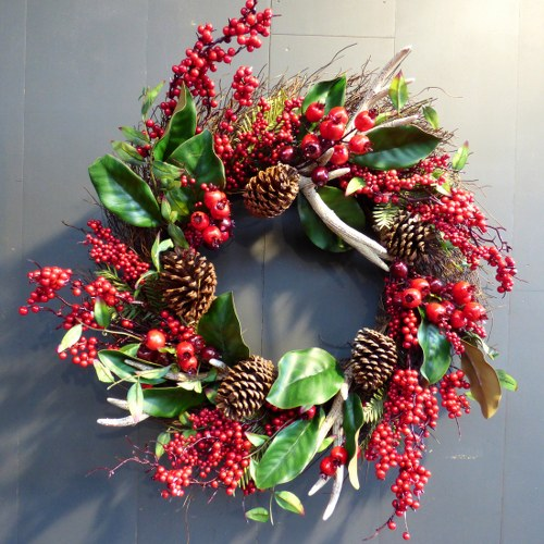 LARGE BERRY AND ANTLER CHRISTMAS WREATH CH
