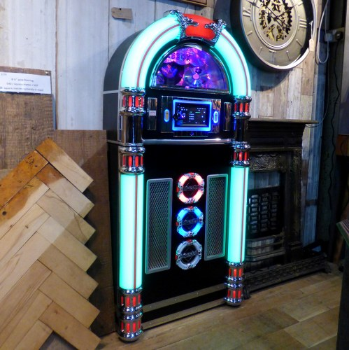 LARGE REPRODUCTION TOUCH CONTROL JUKE BOX