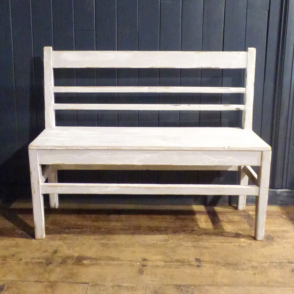 PAINTED WHITE SHABBY CHIC BENCH RWI4882