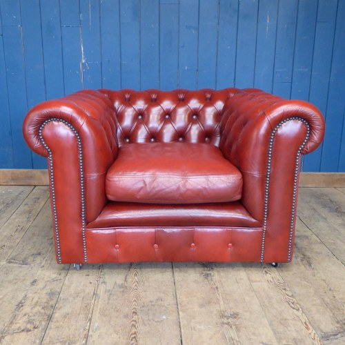 RED LEATHER CHESTERFIELD CLUB CHAIR RWI4488