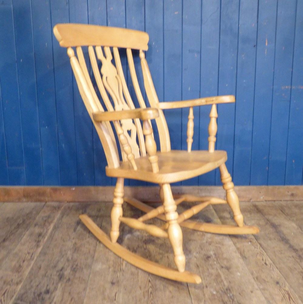 VINTAGE PINE ROCKING CHAIR RWI4858