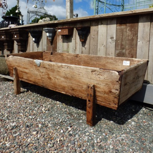 RECLAIMED WOODEN MANGER TROUGH GARDEN PLANTER RWI4378