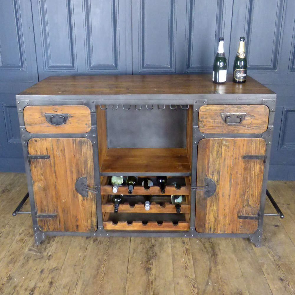 LARGE INDUSTRIAL STYLE HOME BAR WITH INTEGRATED STORAGE RWI4938