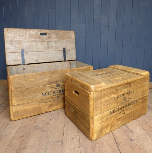 'MOET' BRANDED CHAMPAGNE STORAGE CHEST WWR