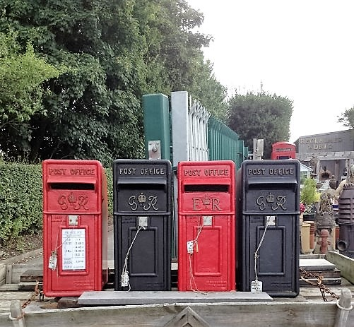 REPRODUCTION POST BOXES